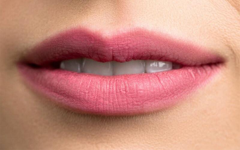 Studio Dentistico Oriolo | Dentista a Lido di Ostia | Trattamenti Antiaging Labbra Acido Ialuronico