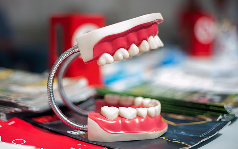 Studio Dentistico Oriolo | Dentista a Lido di Ostia | Protesi Fissa e Mobile